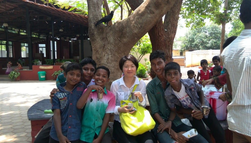 Ms Kyoko with Indian children in Coimbatore. Source: Prima Luce